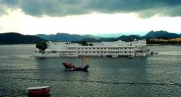Himatnagar, Hotels