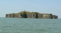 Murud, Resort Hotels