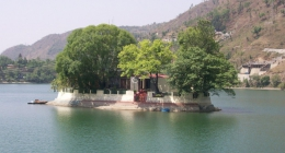 Bhimtal, Resort Hotels