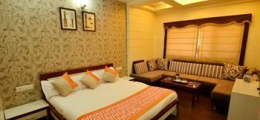 OYO Premium AB Road Bhavarkuan