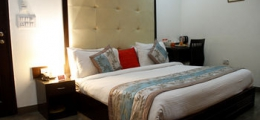 OYO Rooms Hauz Khas District Park
