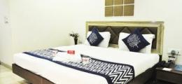OYO Premium Laxmi Nagar