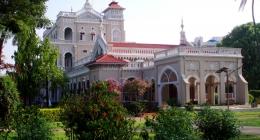 Vadgaon, Resort Hotels